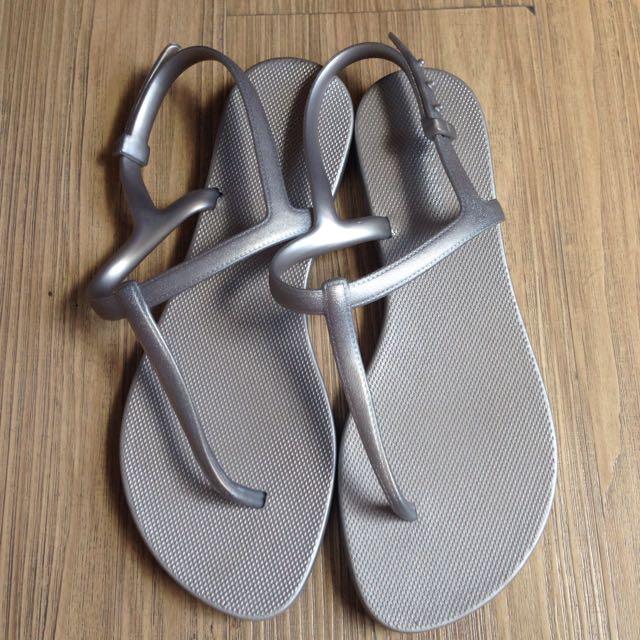 9f7b26449de6f Reserved Until 11 21 16  Old navy Sandals