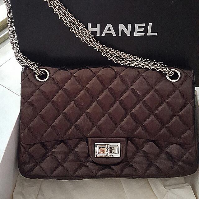 acc7e5cab6f8 Preloved Chanel Reissue 2.55 Size 227 (Jumbo Double Flap), Women's ...