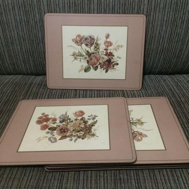 Vintage Placemat Table