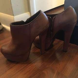 Size 7, Platform ankle Boots