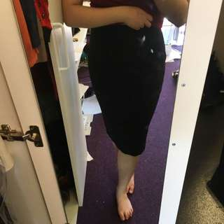 H&M Black Skirt Size 10 (US)