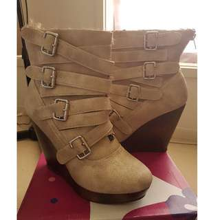 Not Rated Cream Furry Wedge Boots Size 10