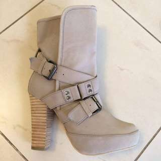 Nude/beige Heeled Boots