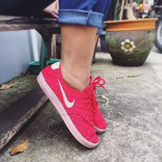 Nike Starlet Women