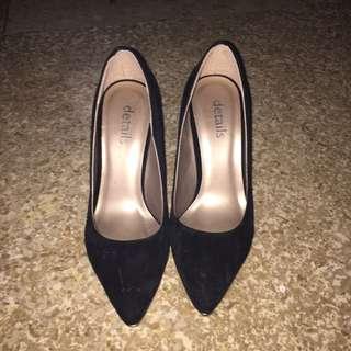 Bludru Black And Gold Heels