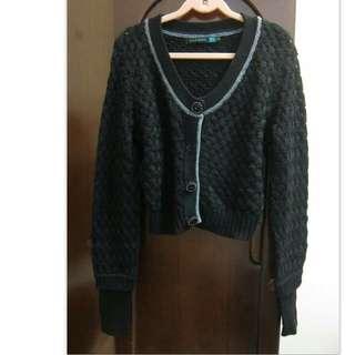 黑色毛料造型外套