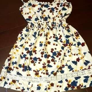繽紛花朵俏麗洋裝