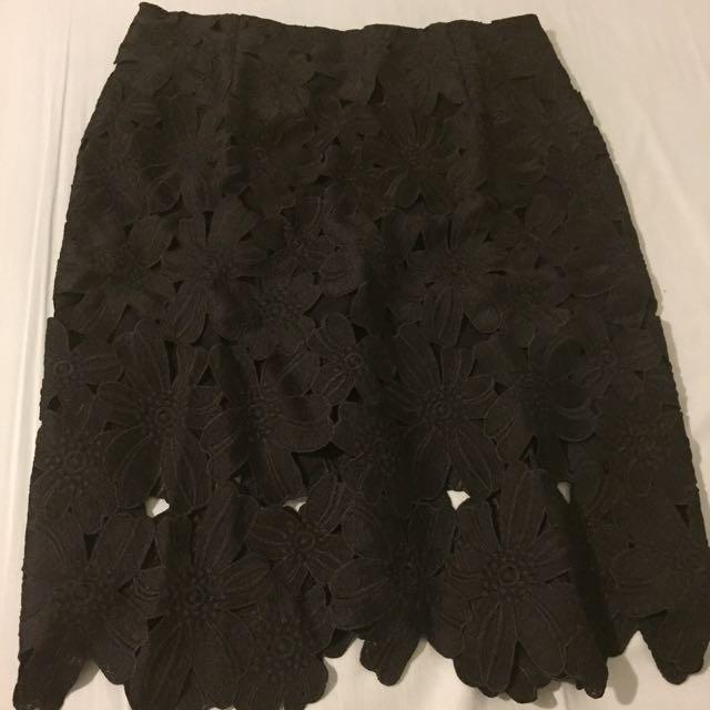 大尺碼浮花包臀裙