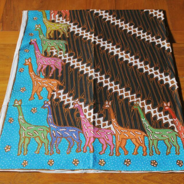 Batik Tulis Sogan Motif Jerapah (Blue Sky Series)