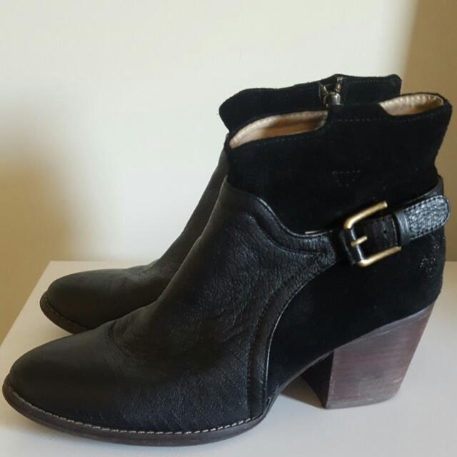 Black Leather Ankle Boots 40 (9)