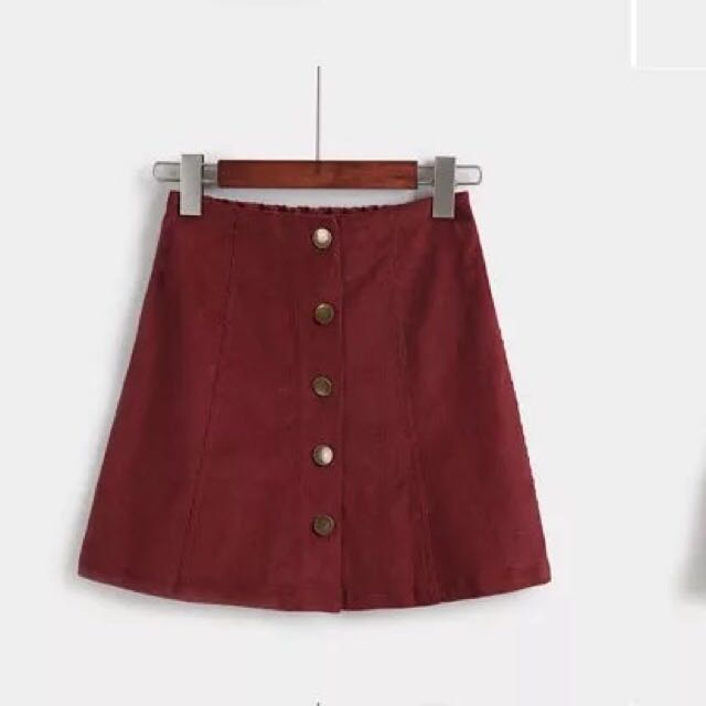 85b1f13cb9 BNWT Wine Velvet Button Skirt, Women's Fashion, Clothes, Pants ...