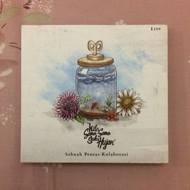 CD BANDA NEIRA LIVE: Kita Sama-sama Suka Hujan