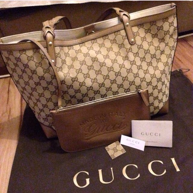 a39cbc6b39f7 Gucci Craft Original GG Canvas Tote-Medium, Luxury, Bags & Wallets on  Carousell