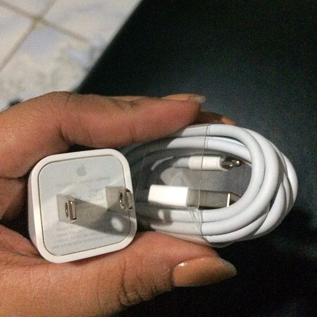 SOLD Iphone Charger Original (repriced)