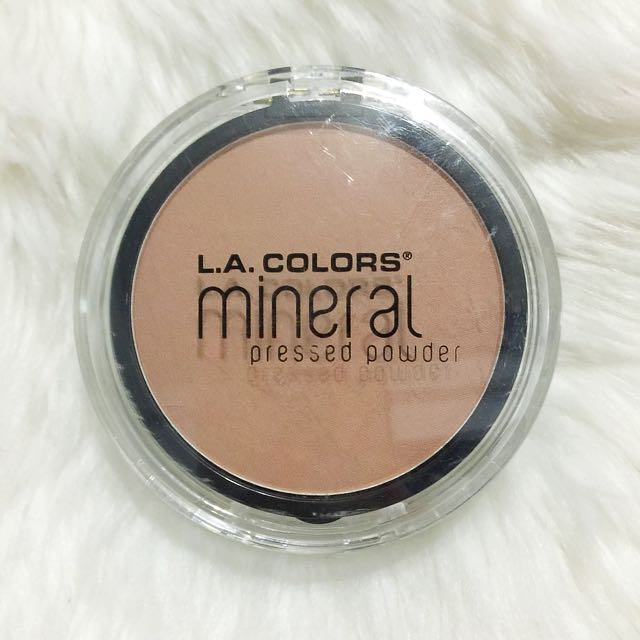LA Colors Mineral Pressed Powder in Natural Beige