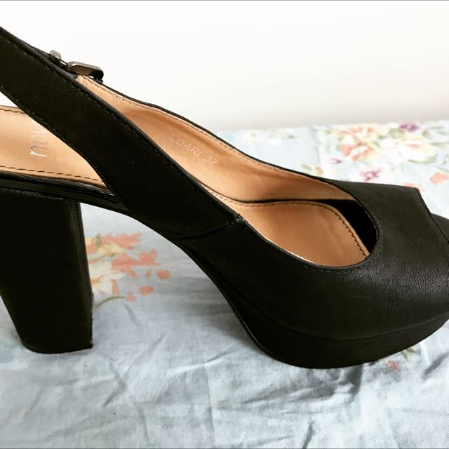 Novo Brand New Shoes 👠 Size 37