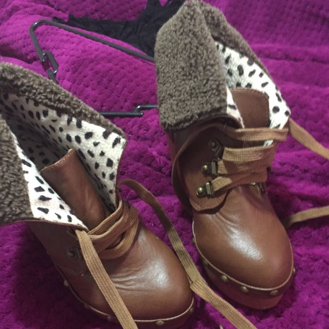 Size 5.5 Vintage Lace Up Boots