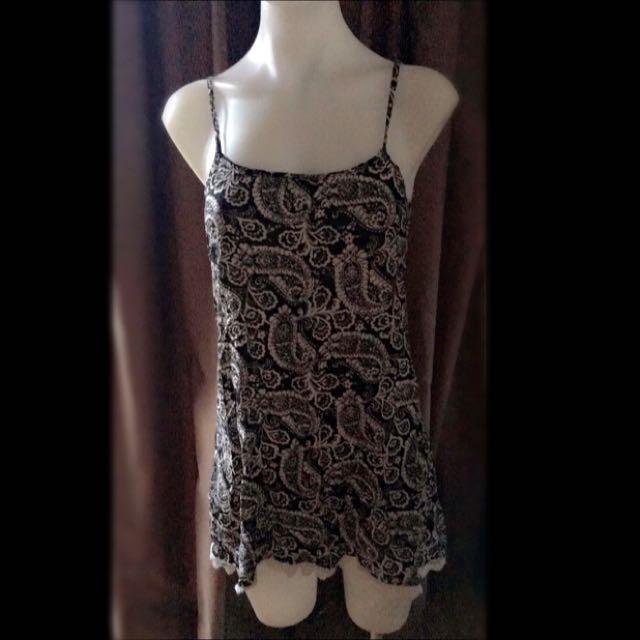 Summer Dress. Laced Hem Line.