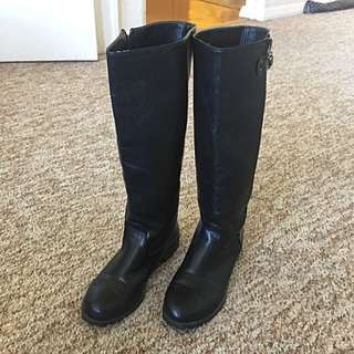 Simple Black Boots Nearly New Size 36