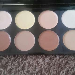 Cream contour Pallete Makeup Revolution London