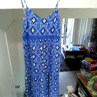 Patterned Maxi-Dress