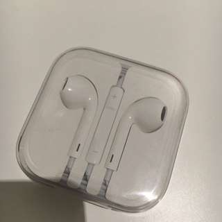 Authentic Apple EarPods From iPhone 6s