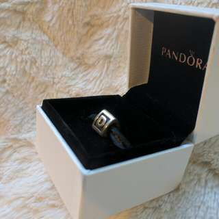 Pandora. Letter D