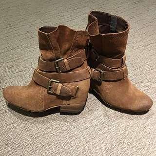 ALDO Boots Size 37