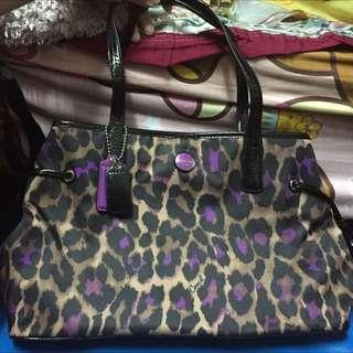 🚚 全新美國購入紫色豹紋coach肩背 手提兩用包F25281
