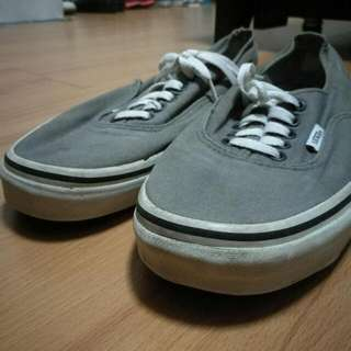 Vans Grey 10.5 500 Pesos Only