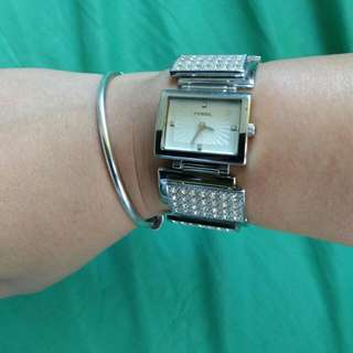 REPRICED NOW P1,600! Fossil Ladies Dress Watch With Stones