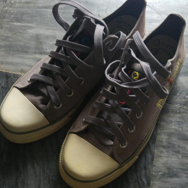 👟絕版品™馬桶洋行(猴子大王) 帥氣灰 帆布鞋