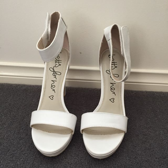 Betts White Heals