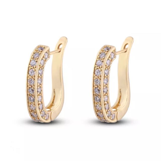Brand New Stunning Shine 18ct Gold Plated Crystal Huggies Hoop Earrings