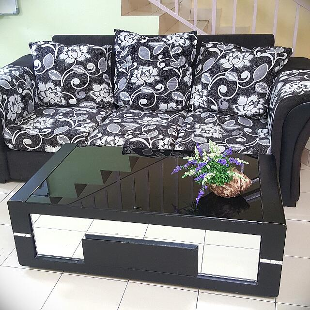 Elegant Black And White 3+2 Sofa 2b3d3bfada