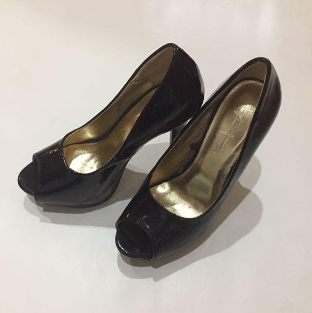 Foverer 21 black pump shoes