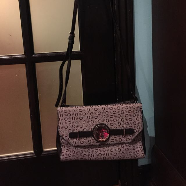 Guess crossbody black purse
