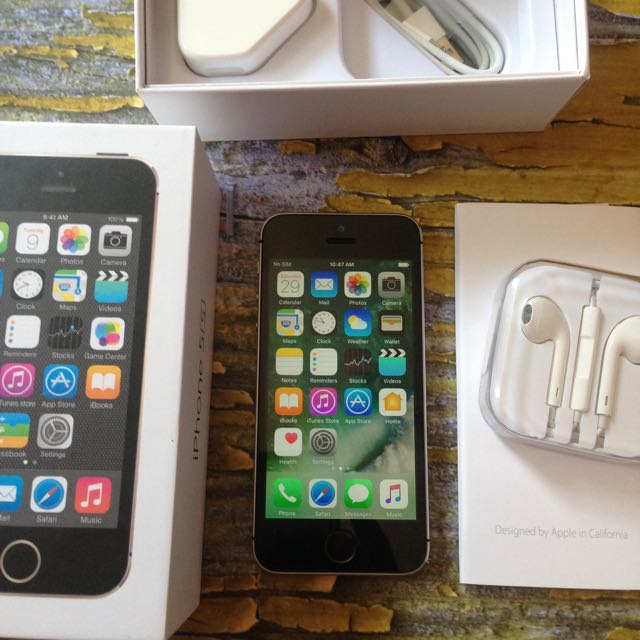 iPhone 5s 32GB Space Gray, Fu Dan Fullset. Muluss Like New