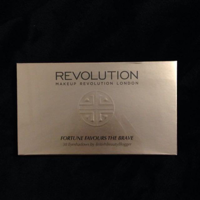 Makeup Revolution Eyeshadow Palette