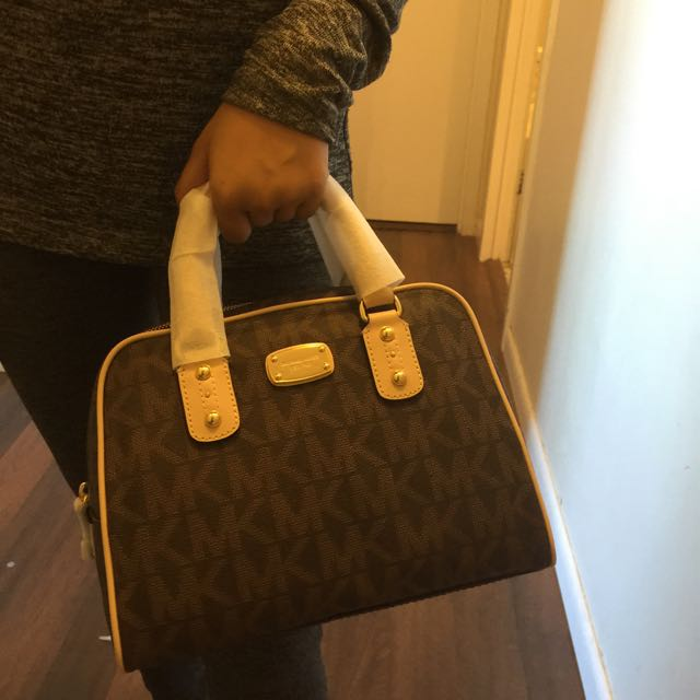 NWT Authentic Michael Kors purse