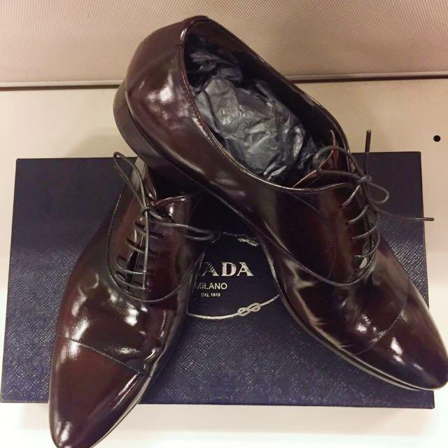 c7ac846fc323 Prada Calzature Uomo Spazzolato Fume Leather Dress Shoes, Men's Fashion,  Footwear on Carousell