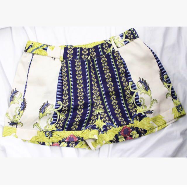 Printed Shorts Size medium
