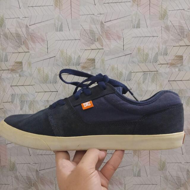 Sepatu DC Shoes Original Tipe Tonik Size 44.5 Warna Navy Blue e9669e3c43