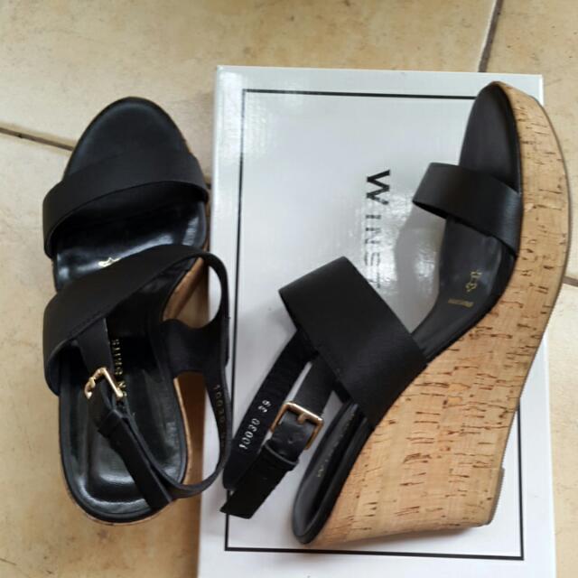 Sepatu Wedges - Leather