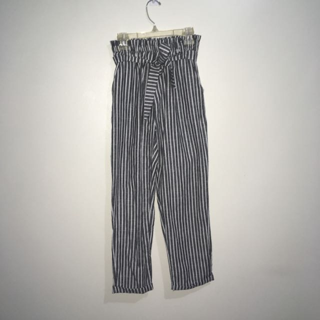 Striped Capri Pants (Grey/White)