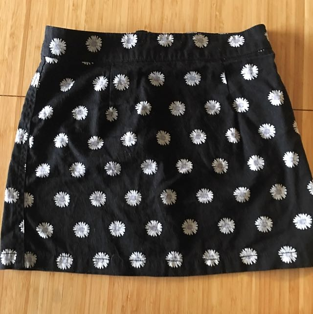 Subtitled Pattern Mini Skirt