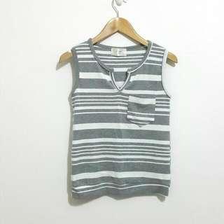 灰白色條紋上衣+長裙