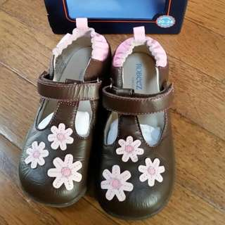 Robeez Tredz Shoes BNIB Girls size 20-24 months