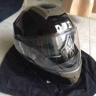 OZI flip front helmet size small