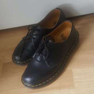 Authentic Doc Martens Size (nz) 7
